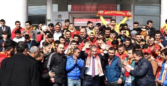 Evkur Yeni Malatyaspor'a destek çağrısı