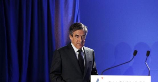 Fransız Cumhurbaşkanı adayı yarıştan çekilmiyor