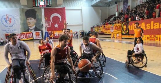 Galatasaray, Yalova'da güldü