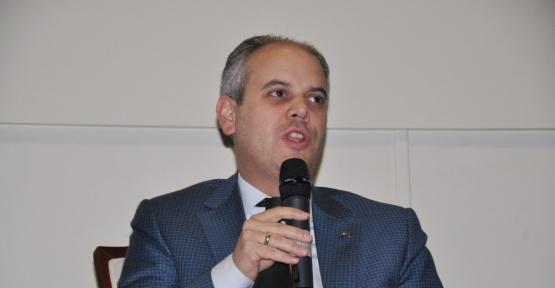 Gençlik ve Spor Bakanı Kılıç Ümraniye'de gençlerle buluştu