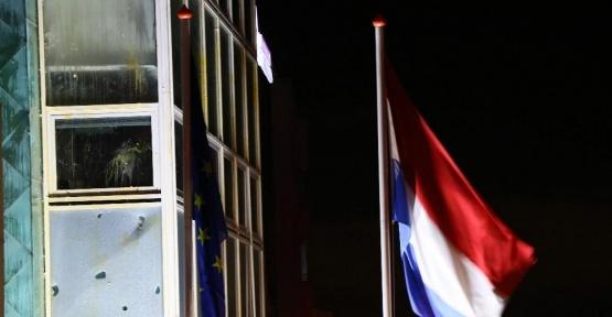 Hollanda'nın Ankara Büyükelçiliği'nde protestolar devam ediyor