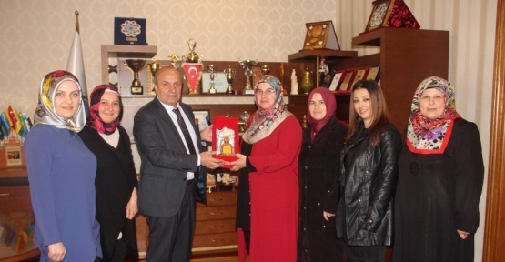 İl Kadın Kolları Başkanı Selçuk, Başkan Arslan'ı ziyaret etti