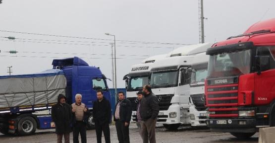 İskenderun Limanında tır şoförlerinin tuvalet isyanı