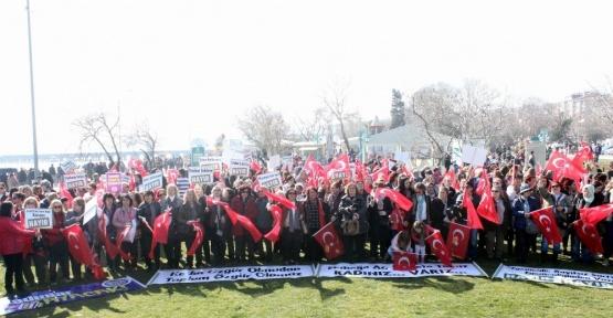 Tekirdağ'da 'Analar hayır duasına' sloganıyla protesto ettiler