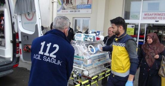 Kalp hastası bebek ambulans uçak ile İstanbula sevk edildi