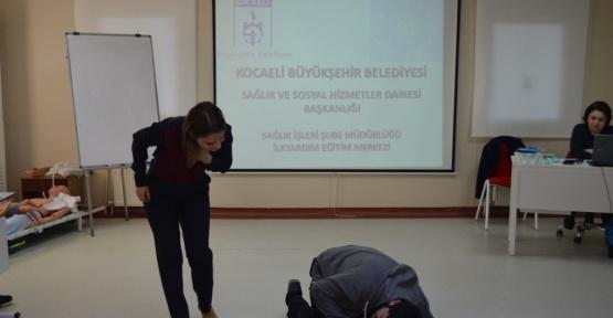 Kamp liderleri ilk yardım eğitimi aldı