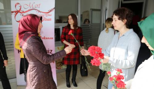 Karaman'da tüm hanımların Kadınlar Günü kutlandı