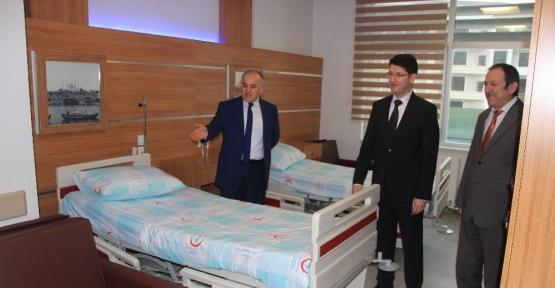 Kaymakam Türköz yeni hastanede incelemelerde bulundu