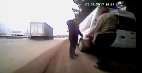 Kazaya sebebiyet veren dikkatsiz sürücüler kameralara yansıdı