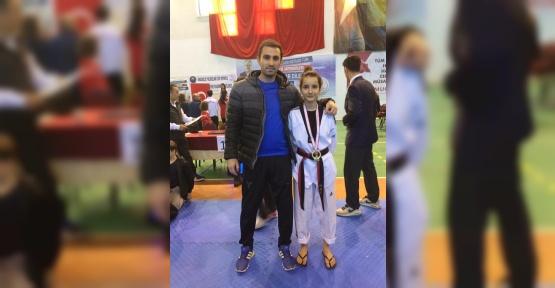 Kepez Çaylısoğlusporlu Şevval Bayrak Türkiye Şampiyonu oldu