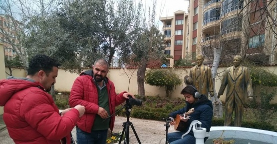 Koca Seyit'in torunları Çanakkale Türküsü'nü seslendirdiler