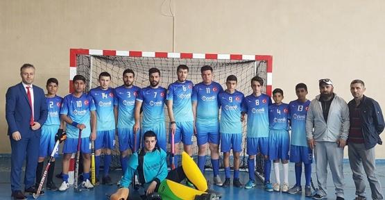 Kurhan Spor Kulübü Salon Hokeyi 2.lig müsabakaları için Trabzon'a gitti
