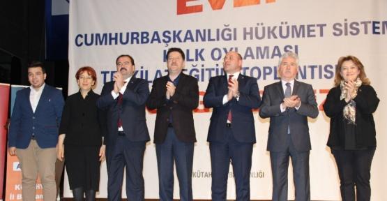 Kütahya AK Parti'nin teşkilat içi eğitimleri tamamlandı