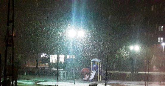 Malatya'da yoğun kar yağışı etkili oluyor