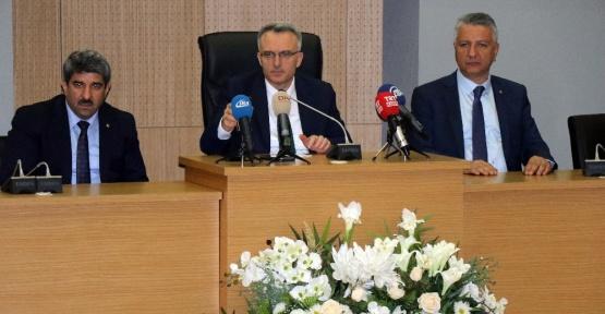 Maliye Bakanı Ağbal'dan otobüsçülere büyük jest