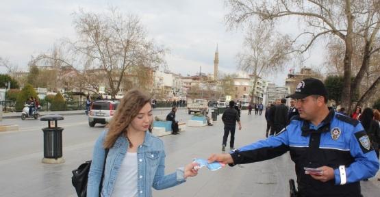 Manavgat polisi kadınları uyardı