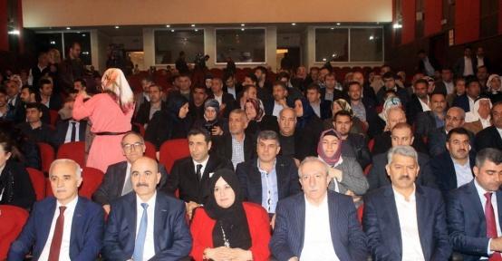 Mardin'de 'Gelecek Senin Sahip Çık' konferansı