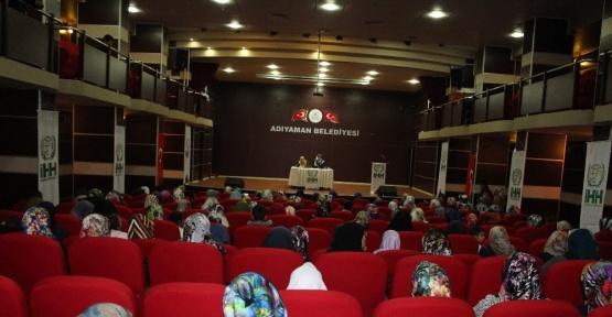 'Medeniyetin Son Kalesi Kadın' konferansı verildi