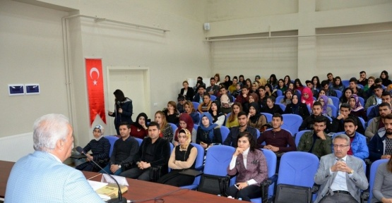 """Mehmet Akif Ersoy'u anlamak"" konferansı düzenlendi"