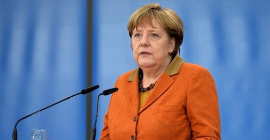 Merkel'den Hollanda seçimi açıklaması