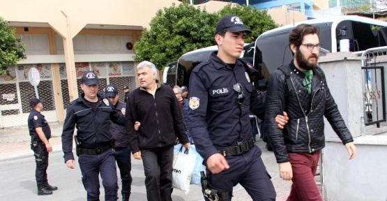 Mersin'de 'Bylock'çu 17 polis adliyeye sevk edildi