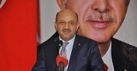 Milli Savunma Bakanı Fikri Işık, AK Partililere hitap etti