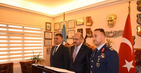 Milli Savunma Bakanı Fikri Işık'tan Mümbiç açıklaması: