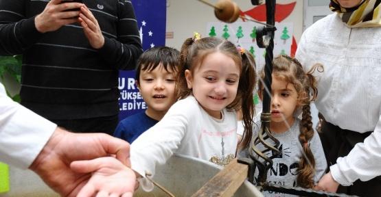 Öğrenciler Bursa ipeğini öğreniyor