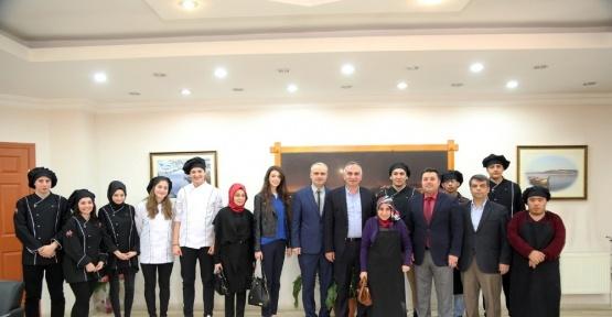 Öğrenciler'den Başkan Yılmazer'e ziyaret