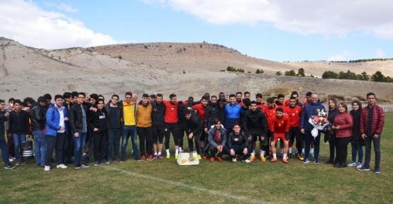 Öğrencilerden Evkur Yeni Malatyaspor'a ziyaret