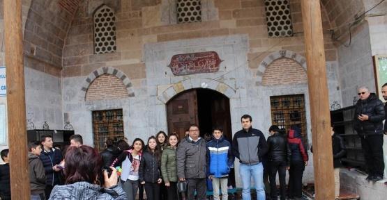 Ortaokul öğrencileri Han ilçesini gezdi