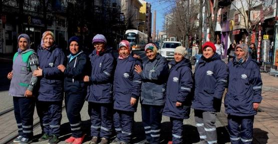 (Özel Haber) Sokakların emekçi kadınları Dünya Kadınlar Gününe çalışarak giriyor