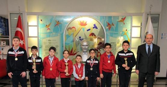Özel Sanko okulları satranç turnuvasından 3 birincilik ile döndü