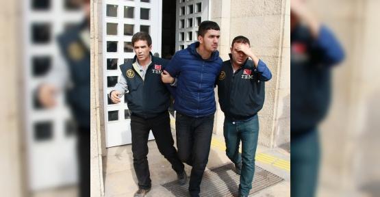 Polise molotof attı 10 yıl 11 ay hapse çarptırıldı