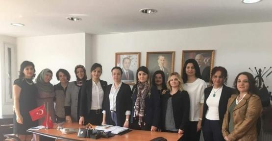 Sağlık-Sen'den AK Parti İl Kadın Kolları Başkanlığına ziyaret