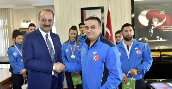 Şampiyon sporculardan Akgül'e ziyaret