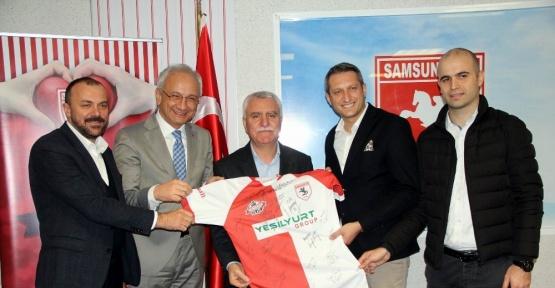 Samsunspor'a destekler sürüyor