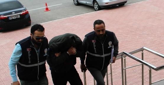 Saniyeler içerisinde cep telefonunu çalan hırsız serbest bırakıldı