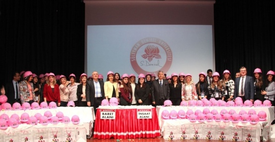 SDÜ'den kadınlara pembe baret