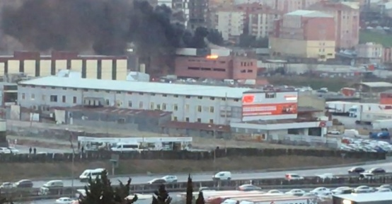 Sefaköy'de yangın paniği