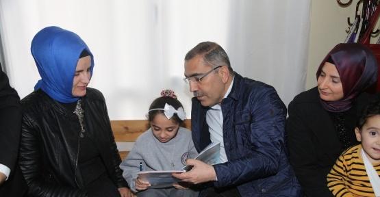 Seher'in okuma azmine Başkan Çelikcan desteği