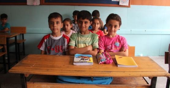 Suriyeli Binlerce Çocuk Türkiye'de Eğitim Alıyor