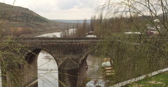 Tarihi Ongözlü Köprü, 8 gözlü kaldı