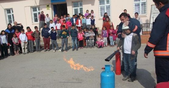 Toplum Destekli polislerden öğrencilere yönelik 'acil durum' projesi
