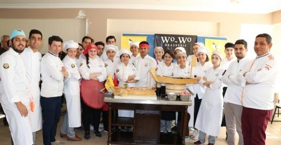 Toros Üniversitesi'nin aşçılık öğrencileri suşi yapmayı öğrendi