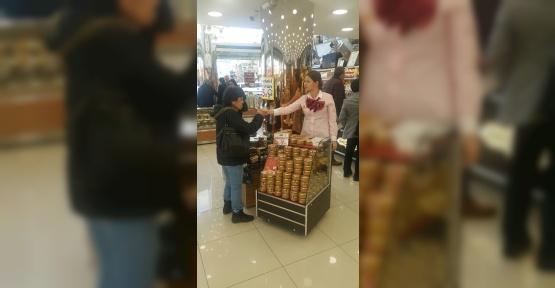 Tuğba Kuruyemiş'in yeni ürünü fıstık ezmesi stantlarda yerini aldı