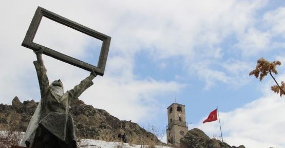 Türkiye'nin ilk Açık Hava Heykel Müzesi Sivrihisar'da sergileniyor