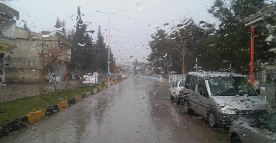 Yavuzeli ilçesinde yağmur etkili oldu