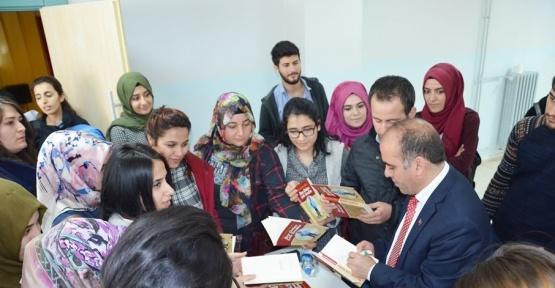 Yazar Ormanoğlu Şanlıurfa'da okurlarıyla buluştu