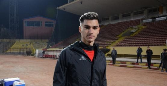 Yeni Malatyaspor futbolcusu Murat Akça açıklama yaptı